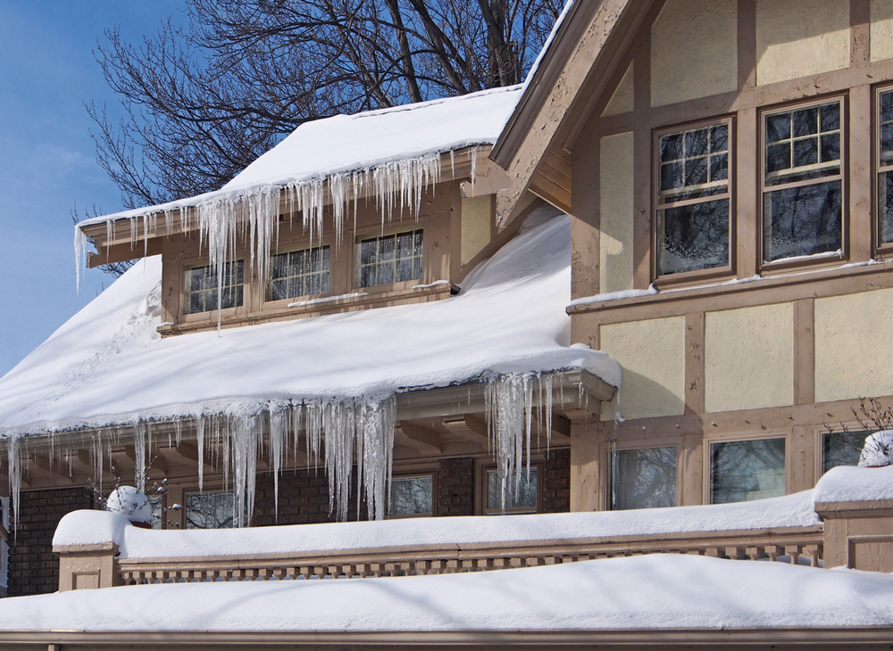 Six Most Common Roof Problems in the Wintertime