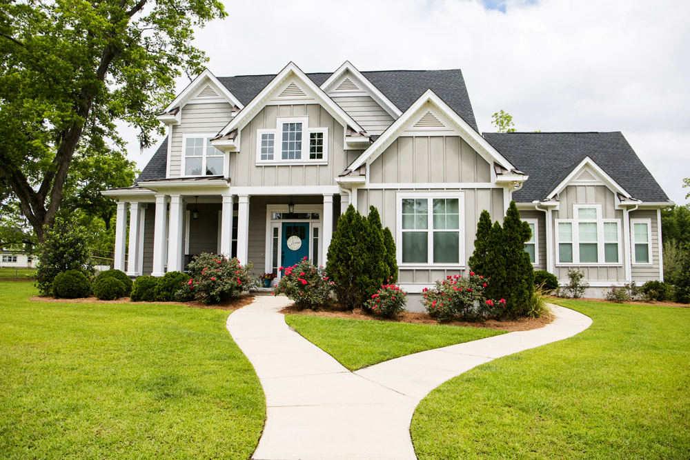 How to Improve Your Home's Curb Appeal With New Windows